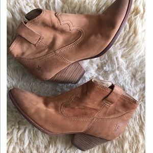 Frye Reina Ankle Boot size 8